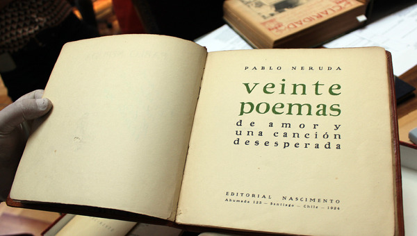 Edición original dedicada al abogado y bibliófilo Fernando Rivera.